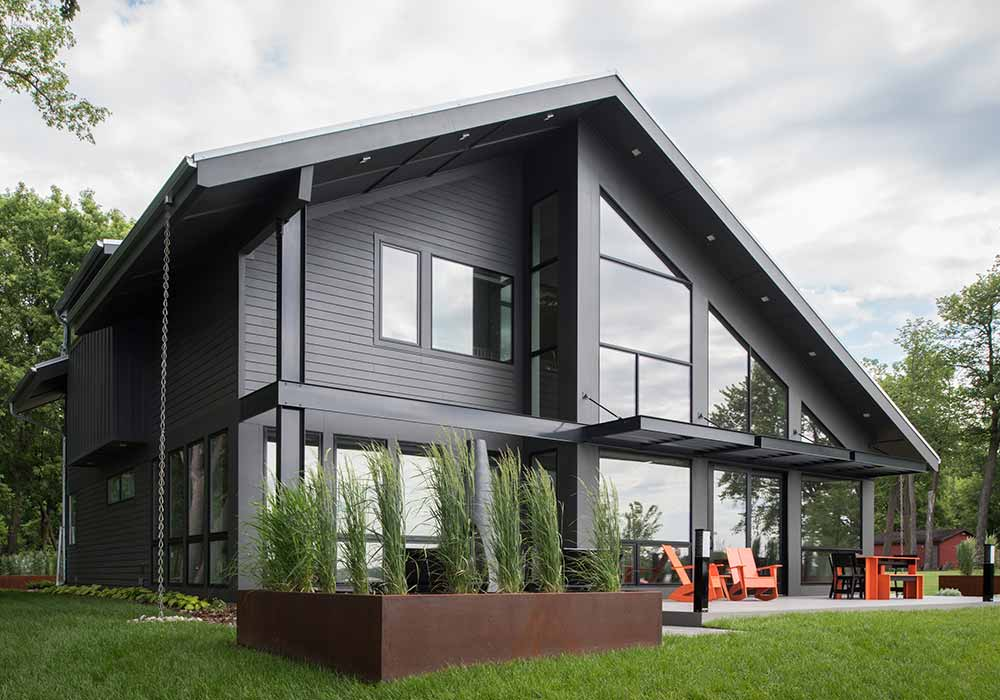 Modern Lake Cottage Feat Img