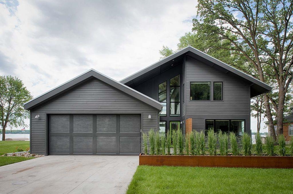 Modern lake cottage radiant homes building homes of for Modern quality homes