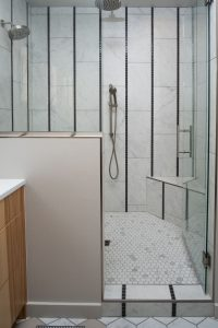 Ceiling height shower with rainfall showerheads
